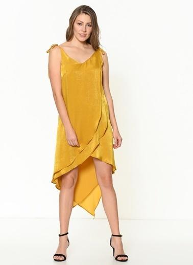 İroni Katlı Volanlı Saten Mini Elbise Hardal